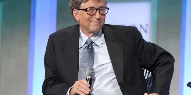 Bill Gates dit qu'il est plus heureux à 63 ans qu'à 25 ans parce qu'il fait 4 choses simples